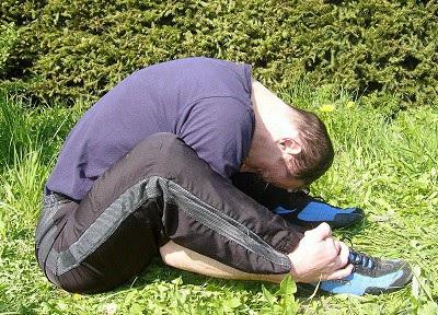 Übung gegen LWS- Schmerzen, Rücken dehnen