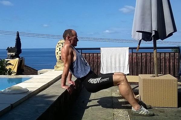Körperhaltung verbessern mit Schulterstütz-Übung
