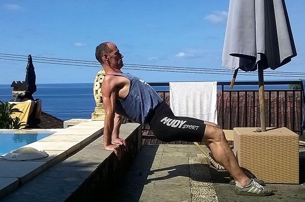 Körperhaltung verbessern durch Schulterstütz-Übung