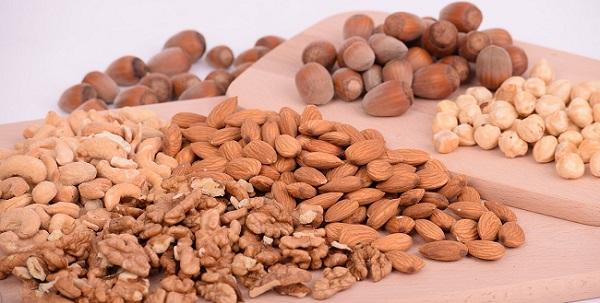 Nüsse sind ideal für die ketogene Ernährung
