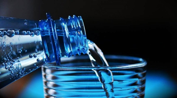 Wasser trinken hilft beim Abnehmen