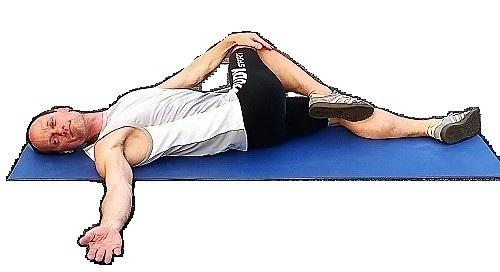 rückenübung gegen Schmerzen unterer Rücken rechts