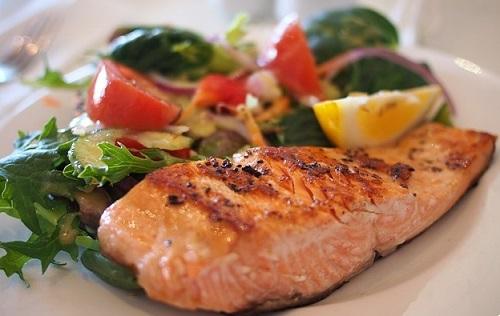 gesunde Ernährung gegen Rückenschmerzen