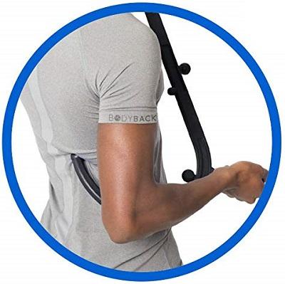 Selbstmassage mit Massagehaken bei unteren Rückenschmerzen
